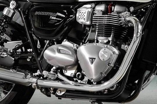 900cc 'High-Torquè' Bonneville engine