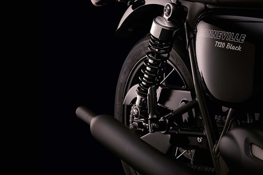 La cattivissima Bonneville T120 Black