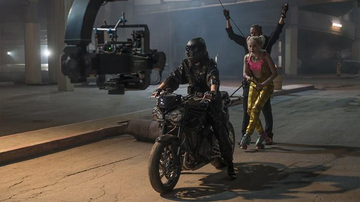 """Triumph al fianco di Warner Bros. Pictures in """"Birds of Prey (e la fantasmagorica rinascita di Harley Quinn)"""""""